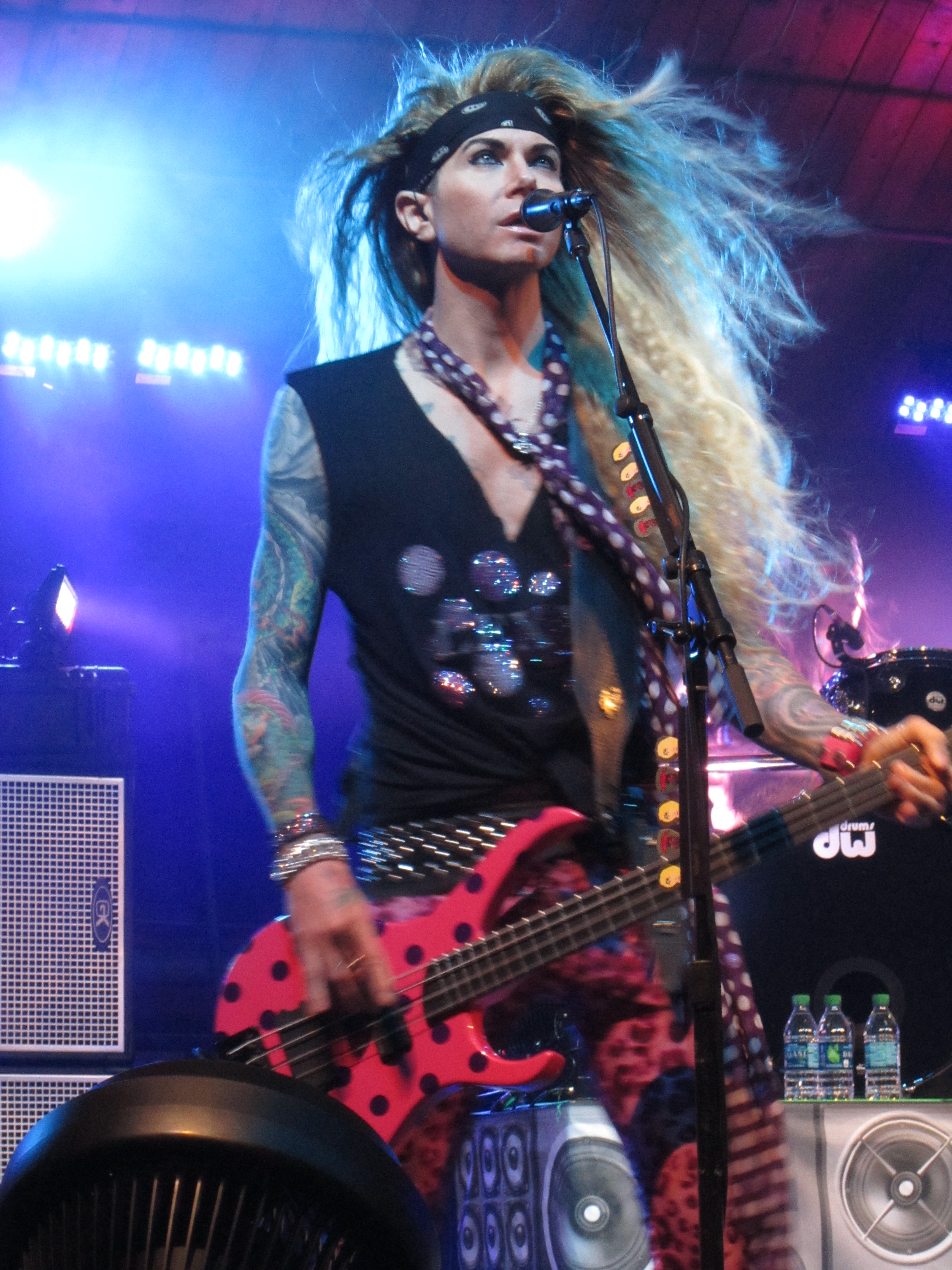 STEEL PANTHER 011