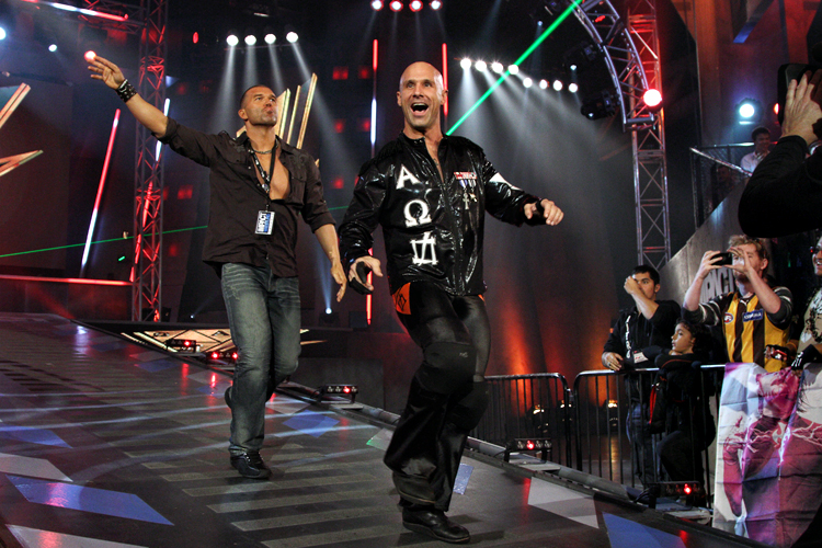 On The Line with Christopher Daniels and Frankie Kazarian